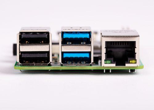 Raspberry Pi 4 B - USB e porte