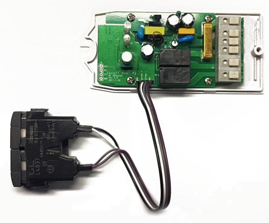 Sonoff Dual con pulsante doppio